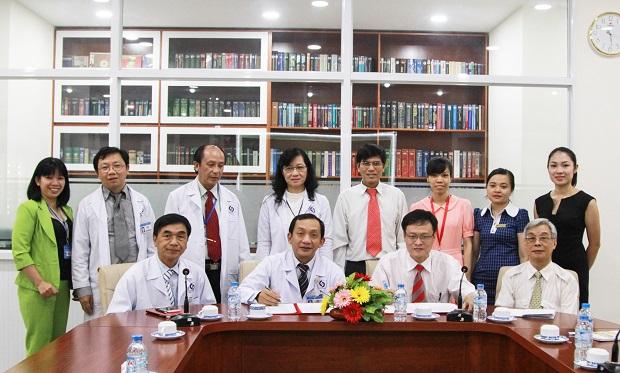 Khoa Dược kí kết hợp tác với bệnh viên Nhân dân Gia Định