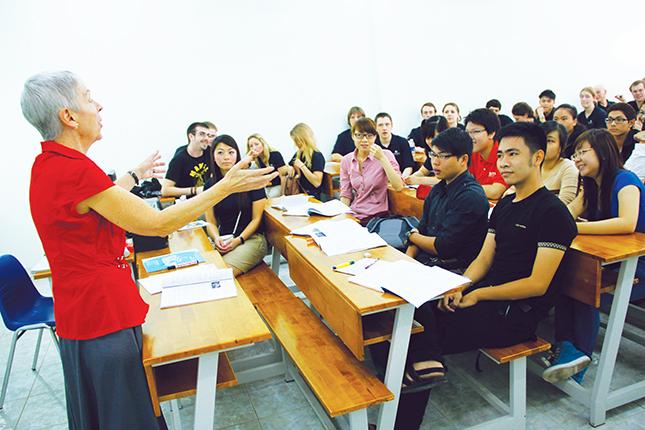 chương trình đại học đào tạo bằng tiếng Anh
