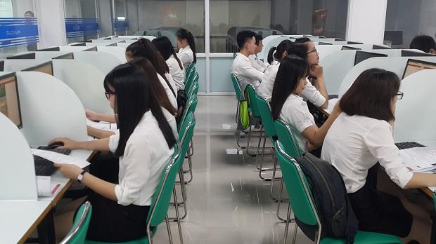 8 học viên đầu tiên của HUTECH BANK chính thức được tuyển dụng vào các ngân hàng lớn