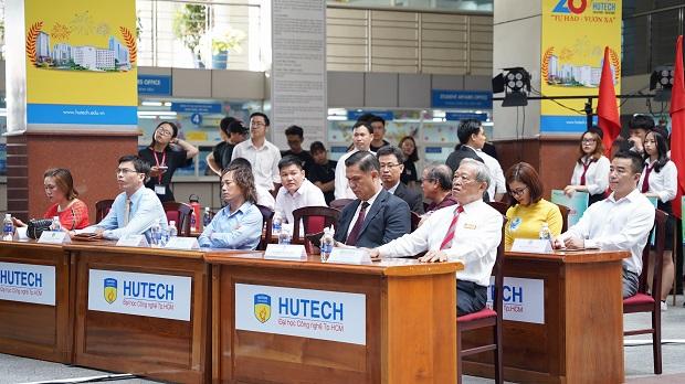 """Sinh viên Khoa Du lịch - Nhà hàng - Khách sạn HUTECH sẵn sàng lên đường với """"Hành trình trải nghiệm 2021"""""""