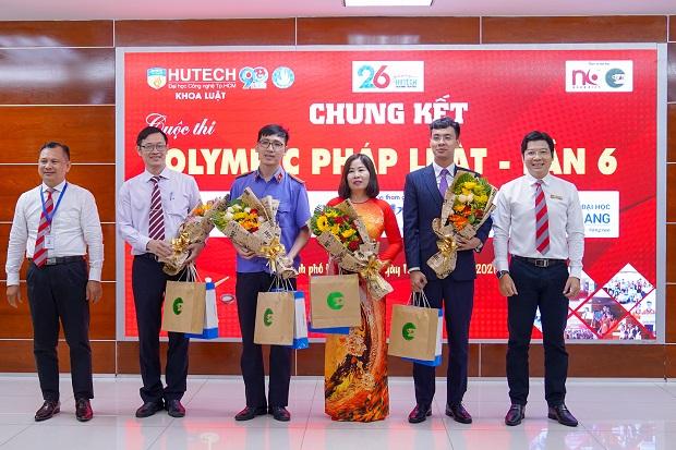 Sinh viên Luật HUTECH giành ngôi Á quân Olympic Pháp luật lần thứ 6