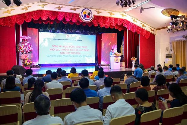 Công đoàn HUTECH vinh dự nhận Bằng khen của Tổng LĐLĐ Việt Nam và Cờ thi đua của LĐLĐ TP.HCM