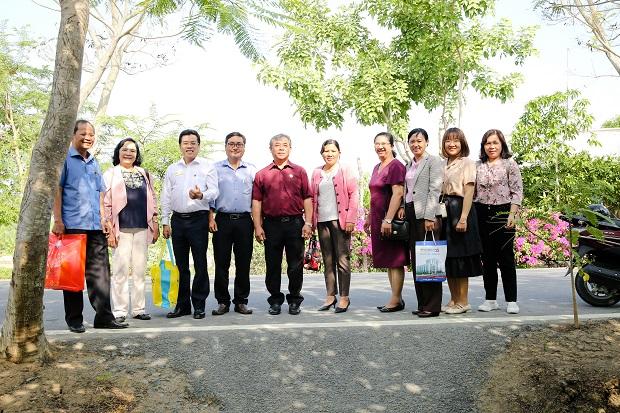 Khoa Tài chính - Thương mại HUTECH trao tặng Nhà tình nghĩa cho gia đình Liệt sĩ tại Cần Giờ (TP.HCM)