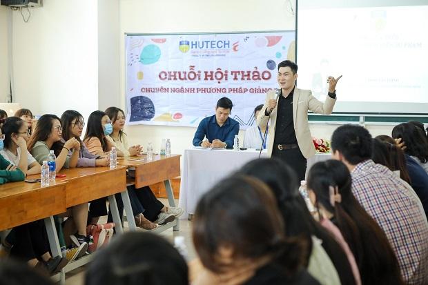 Sinh viên Ngôn ngữ Anh HUTECH học hỏi kinh nghiệm giảng dạy cho thiếu nhi