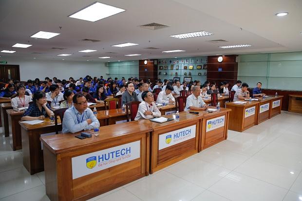 HUTECH tổ chức Tọa đàm về Công tác kết nạp Đảng giai đoạn 2020 - 2025 với nhiều đề xuất tiến bộ