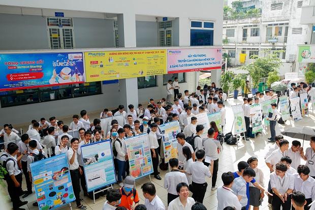 """Sinh viên VJIT ra mắt các dự án """"Bảo vệ sức khỏe cộng đồng"""" tại Phiên công bố Poster - PD2"""