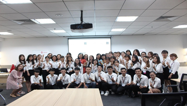 Sinh viên Khoa Tài chính – Thương mại HUTECH tham quan  Công ty TNHH DKSH Việt Nam
