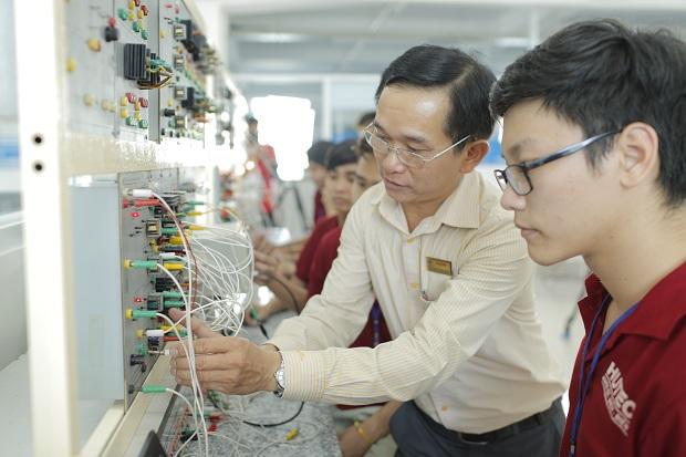 Ngành kỹ thuật điện học gì? ra trường làm gì?