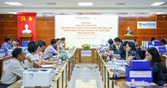 HUTECH chính thức khai mạc chương trình kiểm định chất lượng ngành Kỹ thuật điện và Quản trị kinh doanh