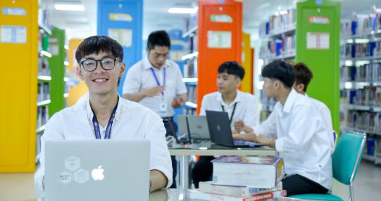 """Sinh viên Khoa Công nghệ thông tin HUTECH sẽ """"học cùng chuyên gia"""" qua loạt hội thảo trực tuyến thú vị"""
