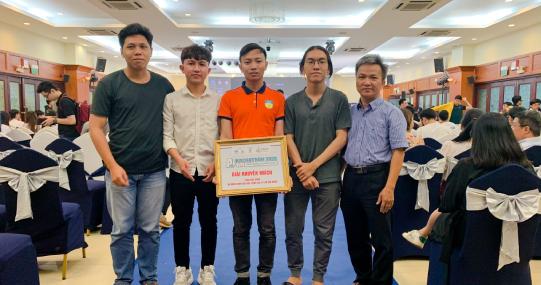 Sinh viên HUTECH đạt giải khuyến khích tại cuộc thi lập trình AI Hackathon TP.HCM