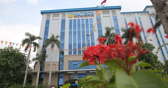 Đại học sắc màu 'khoe' diện mạo mới lung linh mùa 'comeback'
