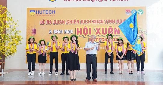 Hội xuân HUTECH 2021 chính thức khởi động cùng chiến dịch Xuân tình nguyện