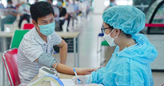 Cán bộ - giảng viên - nhân viên HUTECH tham gia tiêm vaccine phòng ngừa Covid-19
