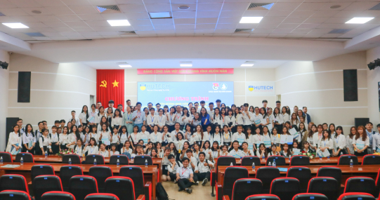 Các Khoa/Viện HUTECH tuyên dương, khen thưởng sinh viên tiêu biểu HKI, năm học 2019 - 2020