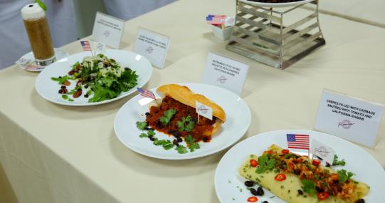 Chuyên gia ẩm thực hướng dẫn chế biến món ăn với nho khô của Hiệp hội nho khô California - Hoa Kỳ