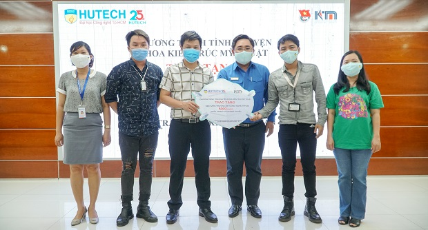 5,000 masks will be given to protect HUTECH students' health from Covid-19