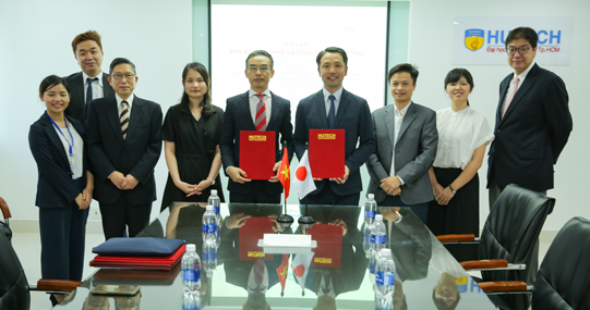 HUTECH ký kết hợp tác với trường Đại học Aomori và trường Nhật ngữ Aoyama (Nhật Bản)