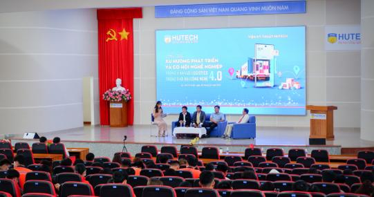 """Sinh viên Logistics & quản lý chuỗi cung ứng HUTECH cập nhật """"xu thế 4.0"""" cùng lãnh đạo doanh nghiệp"""
