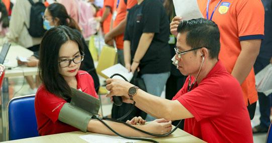 Tháng Thanh niên, tuổi trẻ HUTECH hào hứng tham gia hiến máu nhân đạo vì cộng đồng