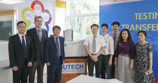 HUTECH tiếp nhận thiết bị phân tích sắc ký khí Gas Chromatograph (GC) từ KTR