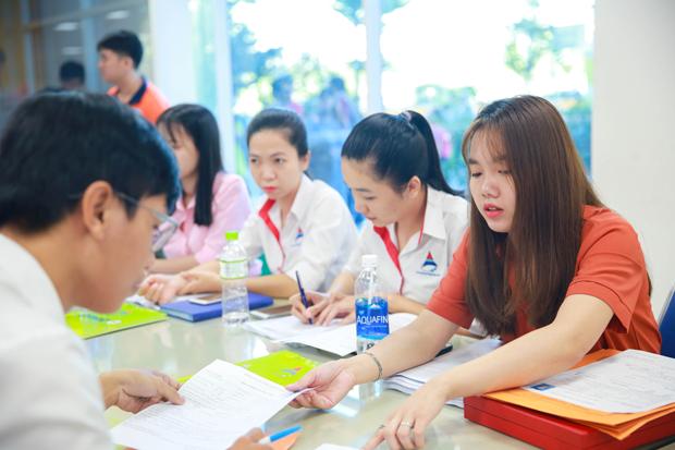Sinh viên nhóm ngành Kỹ thuật - Công nghệ chinh phục nhà tuyển dụng